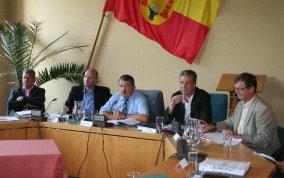 War am 27. August zu einer Gesprächsrunde im Rathaus zu Gast: Innenminister Lorenz Caffier (Mitte).