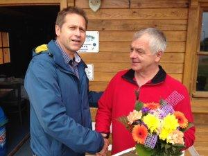 Seit zehn Jahren Hafenmeister in Salem: Peter Gailtene (rechts).